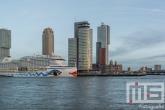 Te Koop | Het cruiseschip Aida Prima aan de Cruise Terminal in Rotterdam