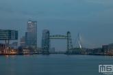 Te Koop | De Hef en de Erasmusbrug in Rotterdam tijdens het blauwe uurtje
