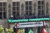 De huldiging van kampioen Feyenoord op het balkon van het Stadhuis de Coolsingel in Rotterdam