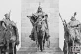 Het beeld van prins Arpad op Heroes Square in Budapest