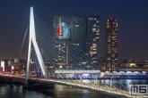 Te Koop | De Erasmusbrug in Rotterdam met het Feyenoord-logo op De Rotterdam