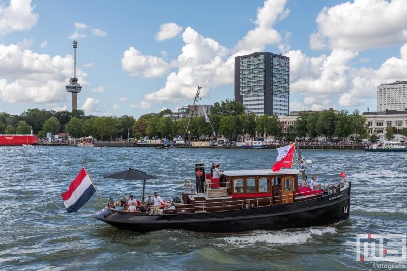 Het schip De Roode Draeck in Rotterdam tijdens de Wereldhavendagen