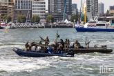 De demonstratie van de marine tijdens de Wereldhavendagen in Rotterdam