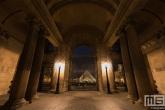 Te Koop | De Louvre Museum in Parijs in nachtelijke uren
