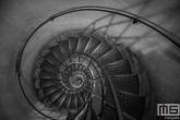 Te Koop | De trappen van de Arc du Triompe in Parijs in zwart/wit