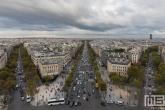Te Koop | Het uitzicht vanaf de Arc du Triompe in Parijs