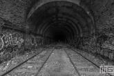 Het urban treinspoor in Parijs in zwart/wit