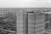 Het gebouw First Rotterdam nabij het Centraal Station in Rotterdam