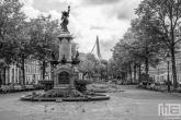 Te Koop | De Wilhelminafontein op het Noordereiland in Rotterdam in zwart/wit