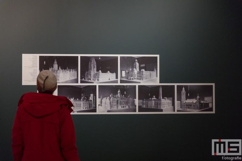 Een tentoonstelling over de Coolsingel en het Bijenkorf gebouw in Museum Rotterdam in Rotterdam