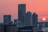 Het Central District in de binnenstad van Rotterdam tijdens zonsondergang
