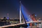 De Erasmusbrug en Euromast in Rotterdam in rood, wit en blauw