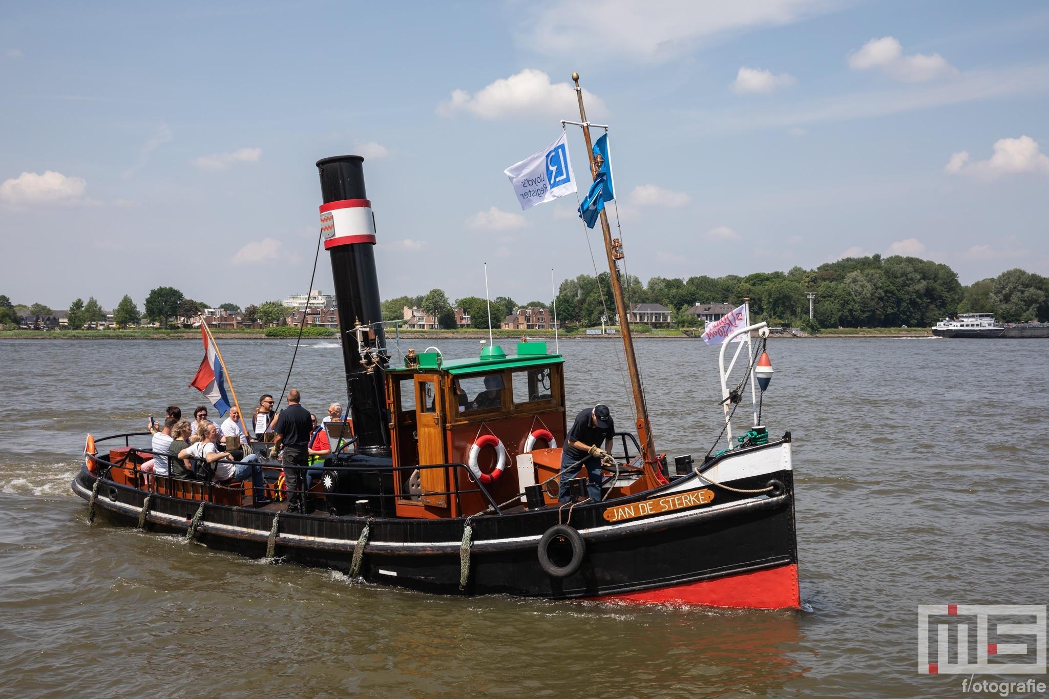 Het stoomschip Jan de Sterke tijdens het stoomevenement Dordt in Stoom