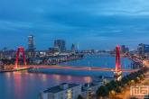 Te Koop | De Willemsbrug en De Maas in Rotterdam tijdens het blauwe uurtje