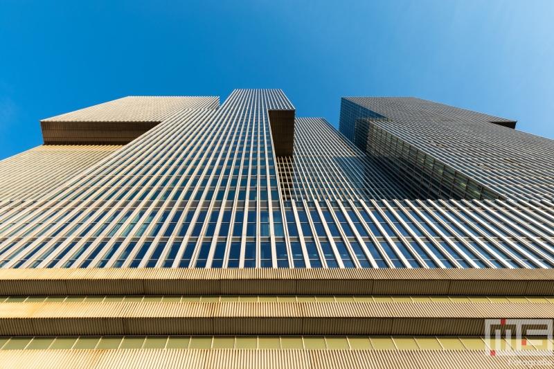 Te Koop | Het gebouw De Rotterdam op de Wilhelminapier in Rotterdam in kleur tijdens zonsondergang