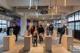 Een serie abstracte kunstbeelden in het HAKA-gebouw in Rotterdam tijdens Art Rotterdam