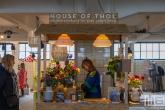De duurzame bewatering van planten van House of Thol in het HAKA-gebouw in Rotterdam tijdens Art Rotterdam