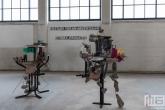 Een Ikea-proof kunstobject in het HAKA-gebouw in Rotterdam tijdens Art Rotterdam