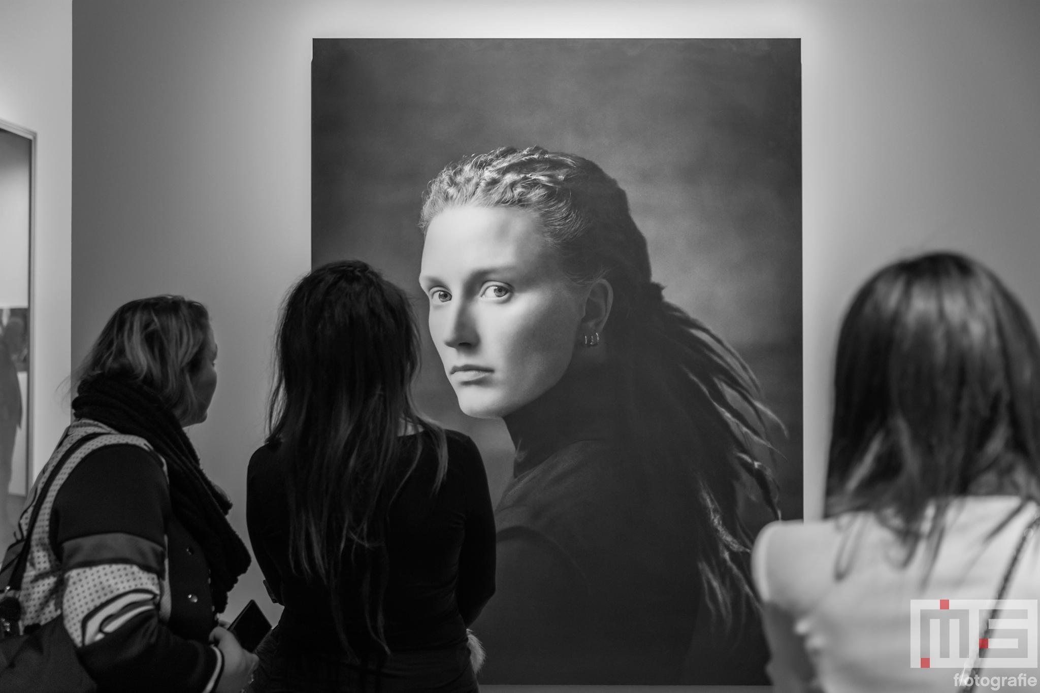 Een schilderij uit de serie Xteriors van Desirée Dolron tijdens Museumnacht010