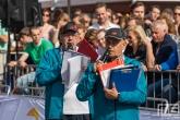 De twee omroepers tijdens de finish van de Marathon Rotterdam 2019