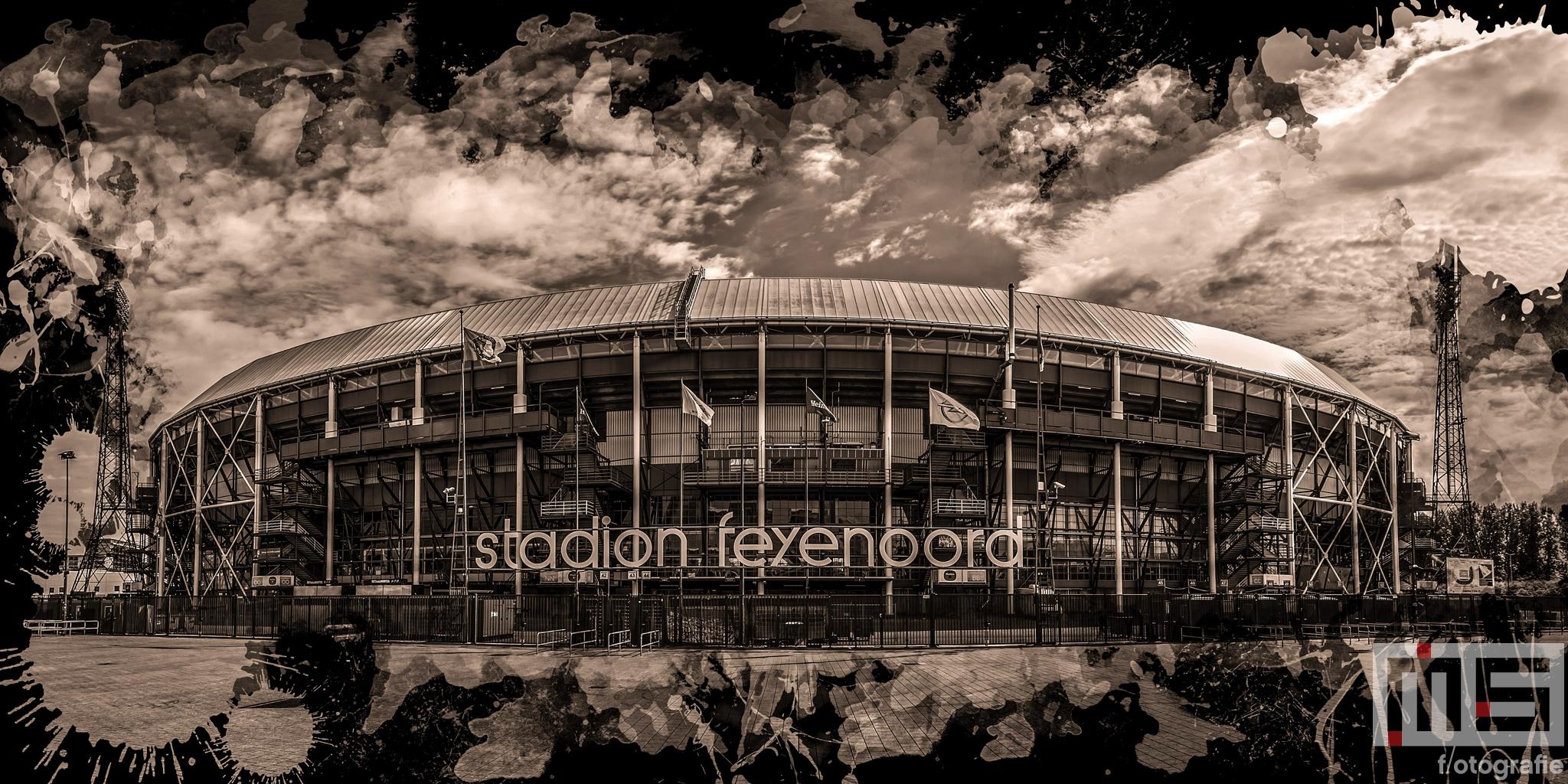 Te Koop   Het Feyenoord Art Stadion De Kuip in Rotterdam in zwart sepia