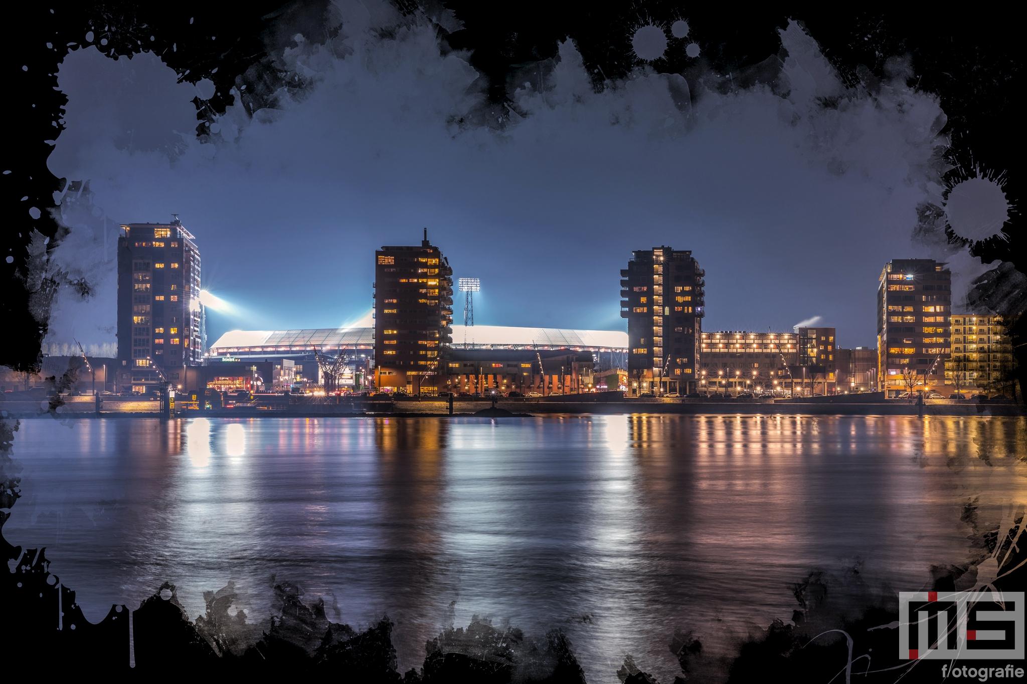 Te Koop   Het Feyenoord Art Stadion De Kuip in Rotterdam vanaf het water