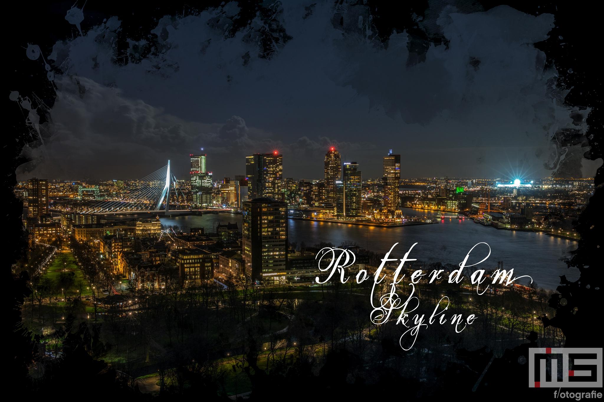 Te Koop   De skyline van Rotterdam met het Feyenoord Art Stadion De Kuip in Rotterdam tijdens een speelavond