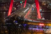 De vernieuwde LEd-verlichting op de Willemsbrug in Rotterdam by Night