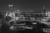 De Scheepshelling Koningspoort in Rotterdam by Night met de Willemsbrug op de achtergrond