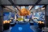 De bar van het Room Mate Bruno Hotel in het Pakhuismeesteren gebouw op de Wilhelminapier in Rotterdam