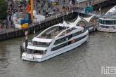 Een drukke Veerhaven tijdens de Wereldhavendagen 2019 in Rotterdam