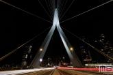 De Erasmusbrug in Rotterdam vanuit een mooi standpunt