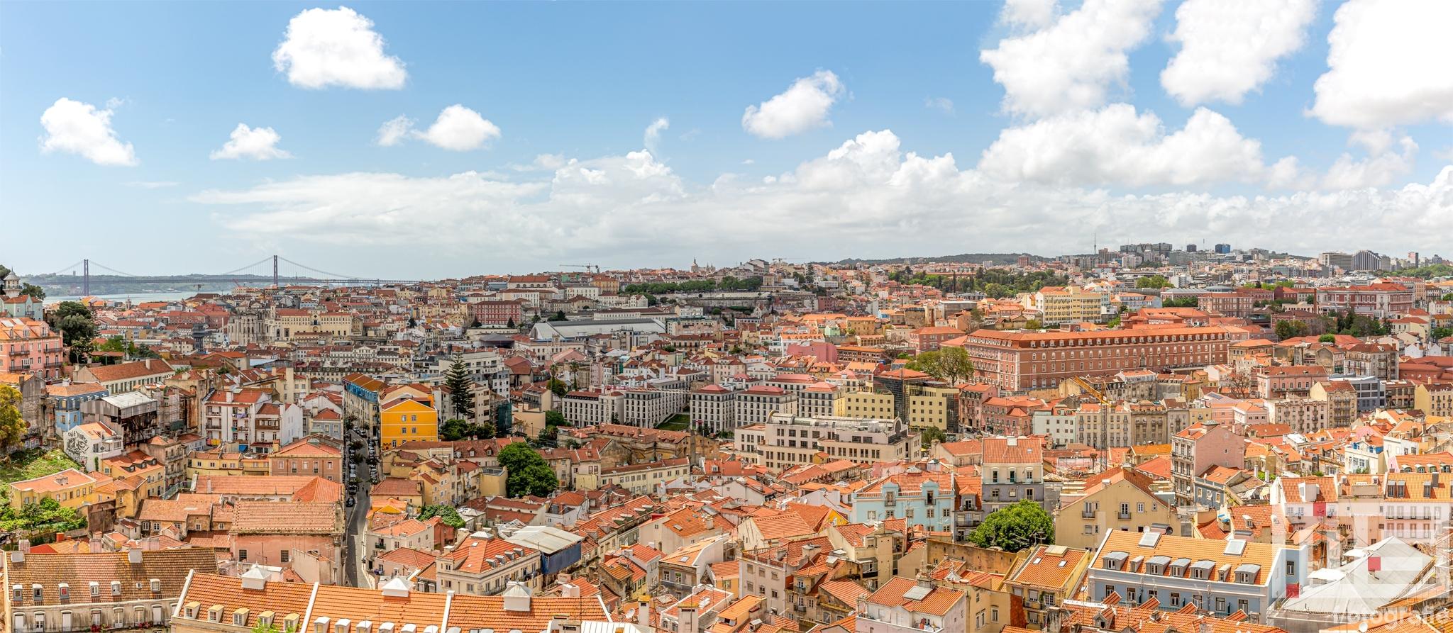 Te Koop | Een panorama van de stad Lissabon in Portugal