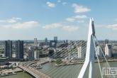 Te Koop | Het uitzicht op de Erasmusbrug en de binnenstad in Rotterdam