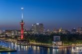Te Koop | De Rotterdamse Skyline met de Euromast in Feyenoord Rood/Wit tijdens het Kampioensfeest van Feyenoord