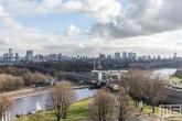 Het uitzicht op de skyline van Rotterdam vanuit de Van Nelle Fabriek in Delfshaven