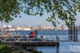 De Haven van Rotterdam vanuit Schiedam