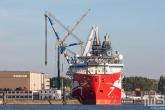 Het offshoreschip Seven Vega van Subsea7 in de Haven van Rotterdam