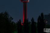 De Euromast in Rotterdam in de kleur  rood