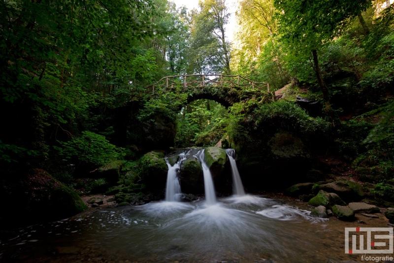 Te Koop | De waterval Schiessentumpel in Mullerthal Luxemburg