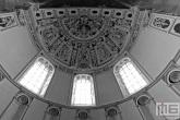 Het plafond van kathedraal de Dom in Trier in Duitsland