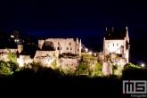 Het kasteel Larochette in Luxemburg in de nachtelijke uren