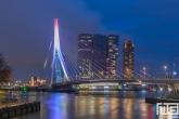 Te Koop | De Erasmusbrug in het stadscentrum van Rotterdam in Rood Wit Blauw