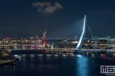 De Erasmusbrug in het stadscentrum van Rotterdam vanuit een unieke locatie
