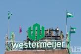 Het Witte Huis met het oude Westermeijer logo op het dak