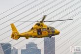 De SAR-heli 00-NHX in demonstratie tijdens de Wereldhavendagen in Rotterdam