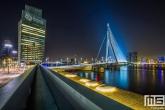 Het KPN-gebouw en de Erasmusbrug in Rotterdam by Night