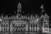 Te Koop | Het verlichte stadhuis op de Coolsingel in Rotterdam by Night