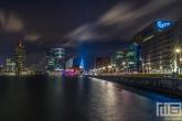 Het uitzicht op de Wilhelminapier en Rijnhaven in Rotterdam by Night