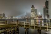 Te Koop | Het mistige uitzicht op de Wilhelminapier in Rotterdam vanuit Katendrecht